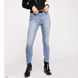 NWT We The Free CRVY High-Rise Super Skinny Jeans
